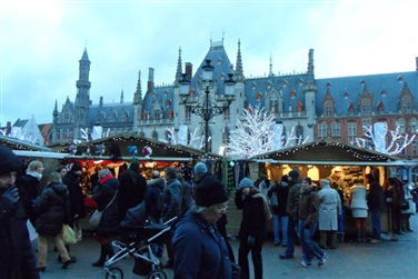 Bruges Xmas Market & chocolate shop by Eurotunnel