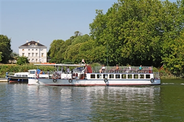 Richmond Circular River Trip & free time