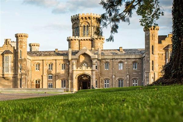 Warner's Studley Castle (Half Board)
